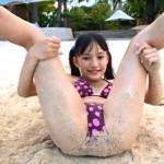 織田芽以ちゃん JCスマイル 12歳JC美少女 大股開き股間寄りクイコミお尻が最高ぞなもし