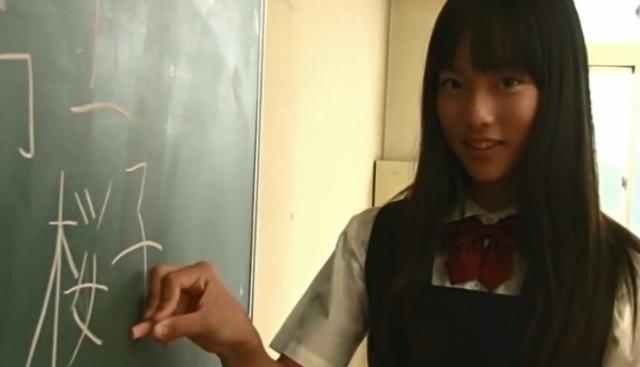 高丘桜子(岡本桃佳) 制服 画像