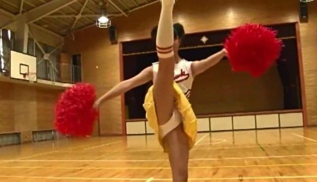 高丘桜子(岡本桃佳) チアガール 画像