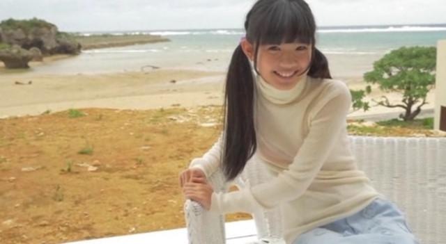 倉澤遥 セーター